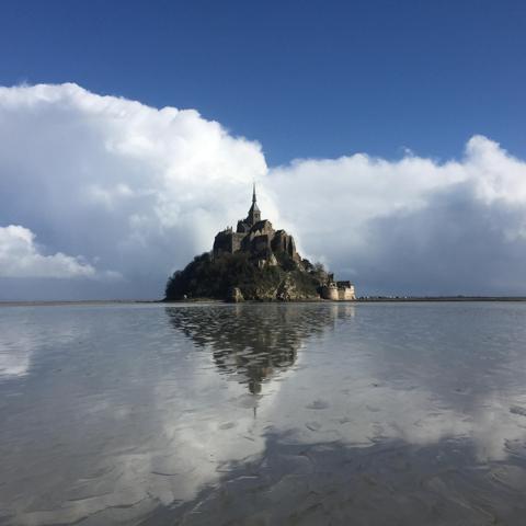 mirroring mont saint michel